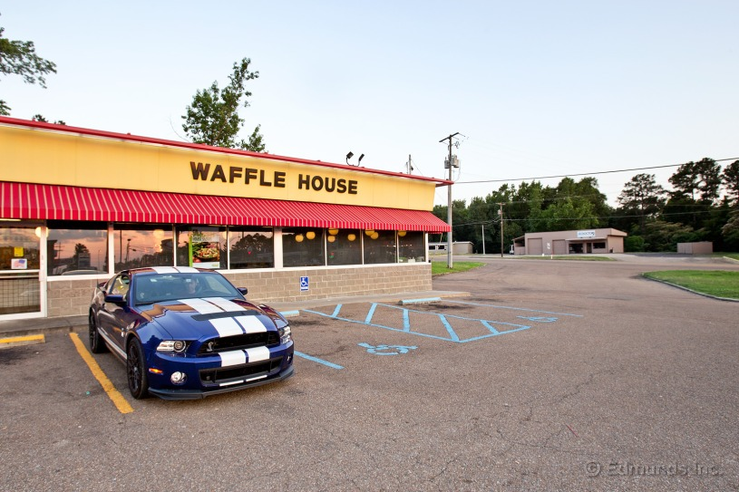 Cross-Country 2013 Shelby GT500 visits Waffle House