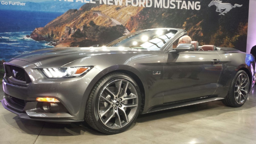 Video 2015 Mustang Gt Specs Overview Driving Footage