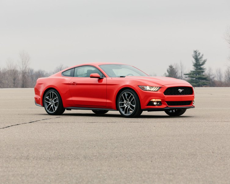 Outdoor 2015 Ford Mustang Still Photo