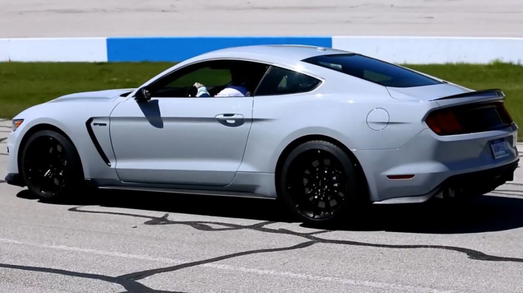 how much hp does the 2015 shelby gt have autos post. Black Bedroom Furniture Sets. Home Design Ideas